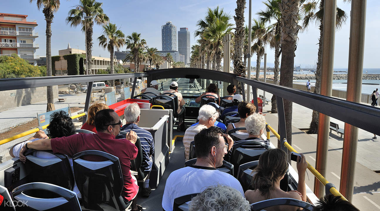 barcelona hop on hop off buses