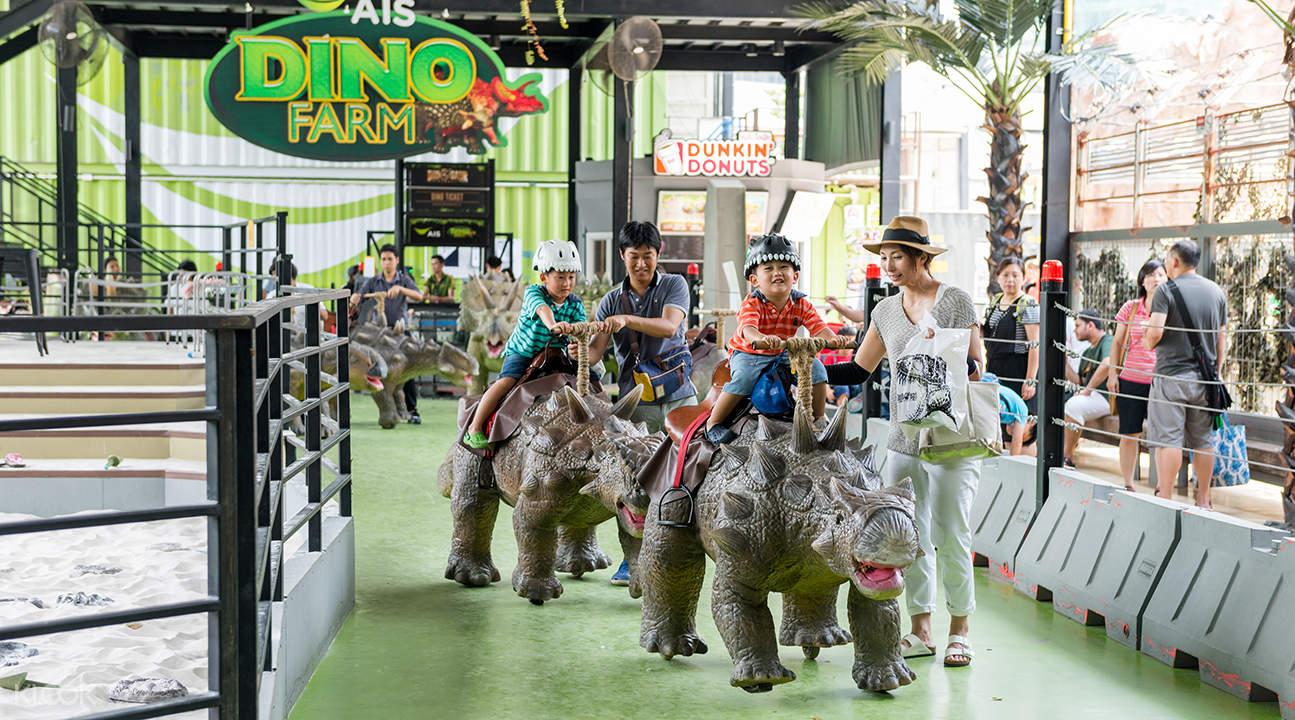 泰國曼谷恐龍星球樂園Dinosaur Planet 騎恐龍