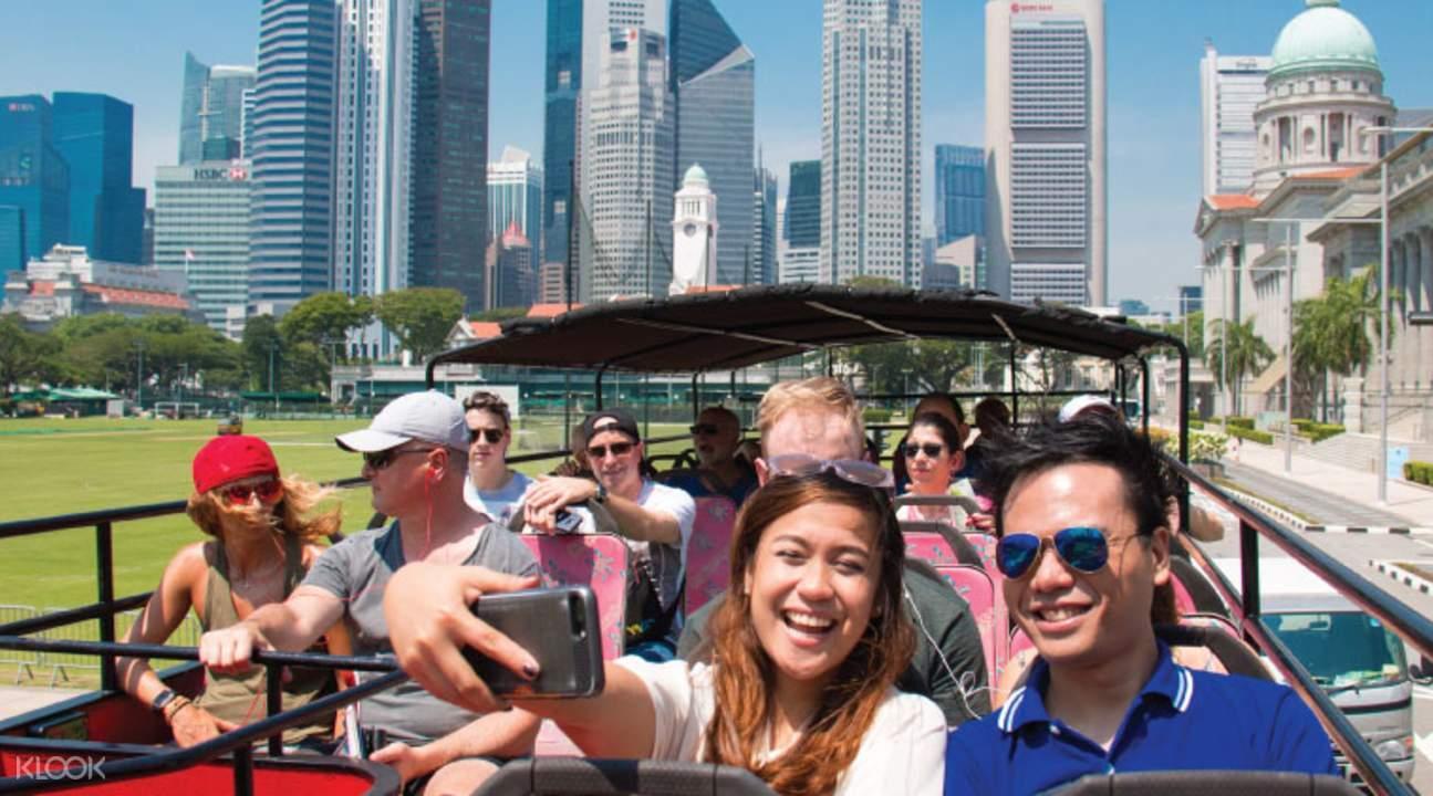 新加坡敞篷双层观光巴士
