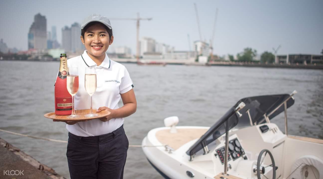 luxury boat cruise bangkok