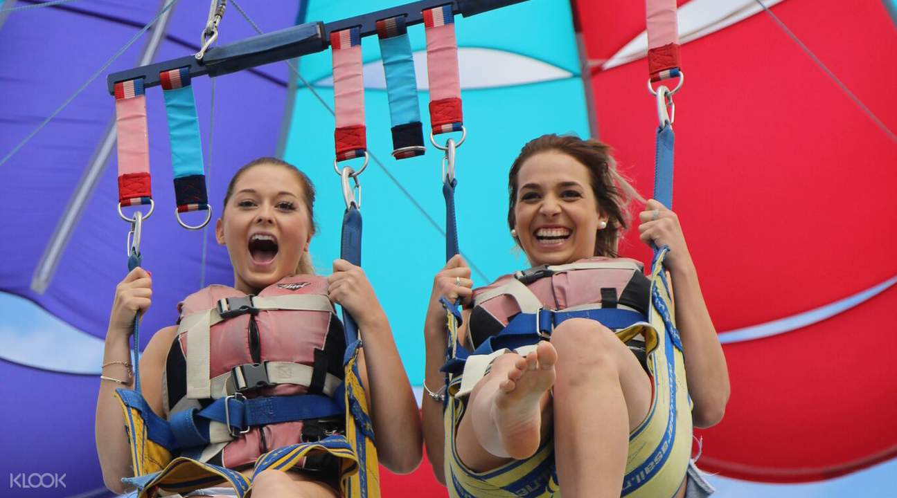 Tandem parasailing Gold Coast