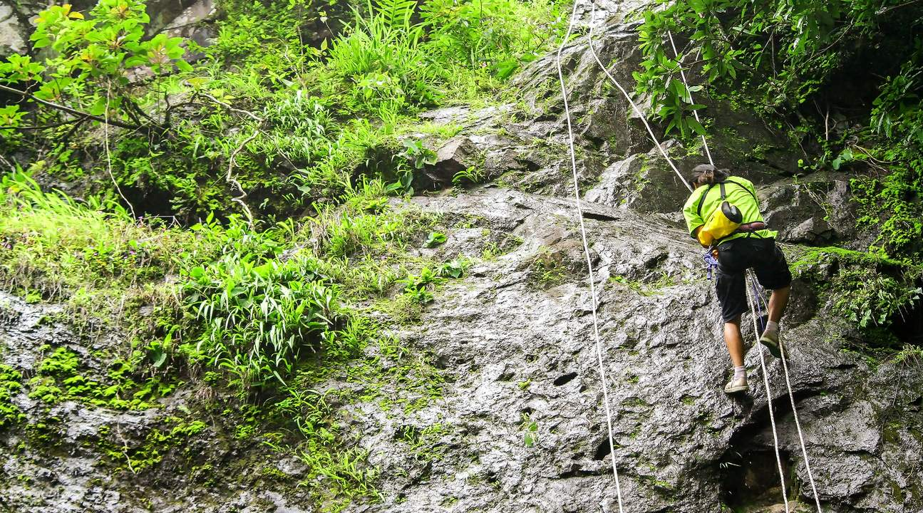 2D1N Sai Kung Zipline and Abseiling Tour