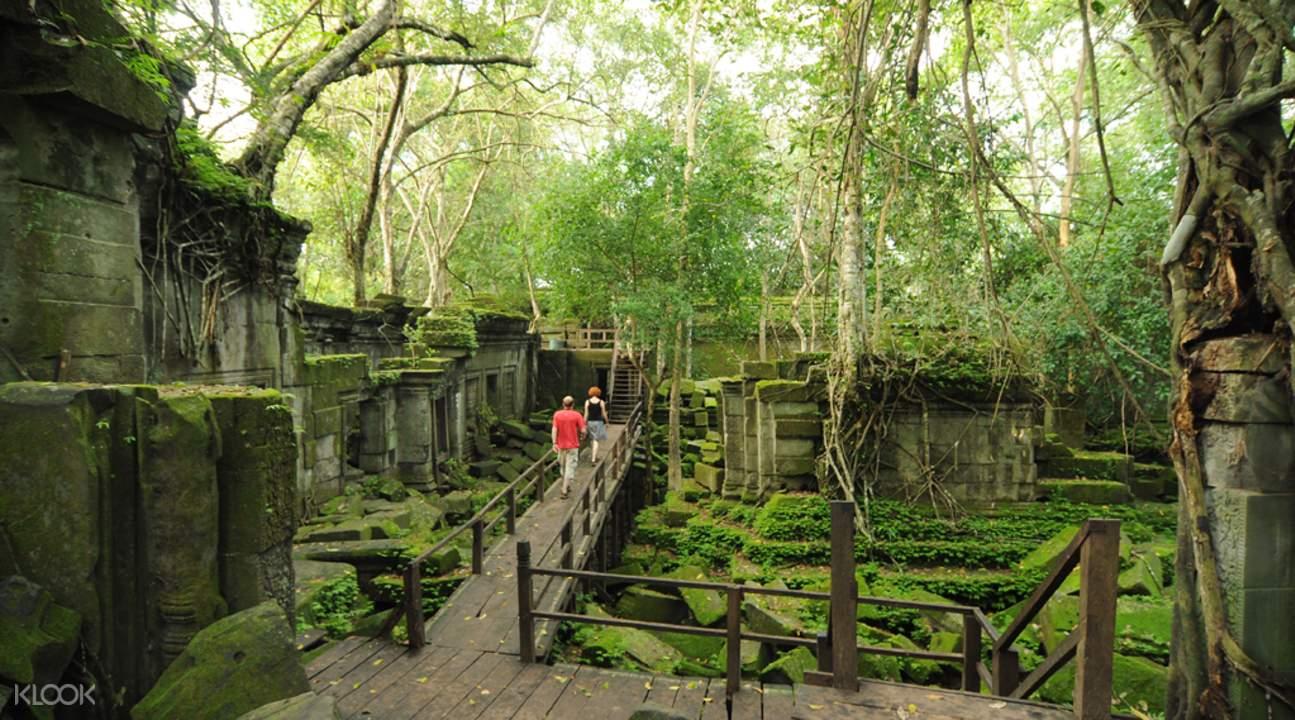 beng mealea private tour by tuk tuk siem reap cambodia