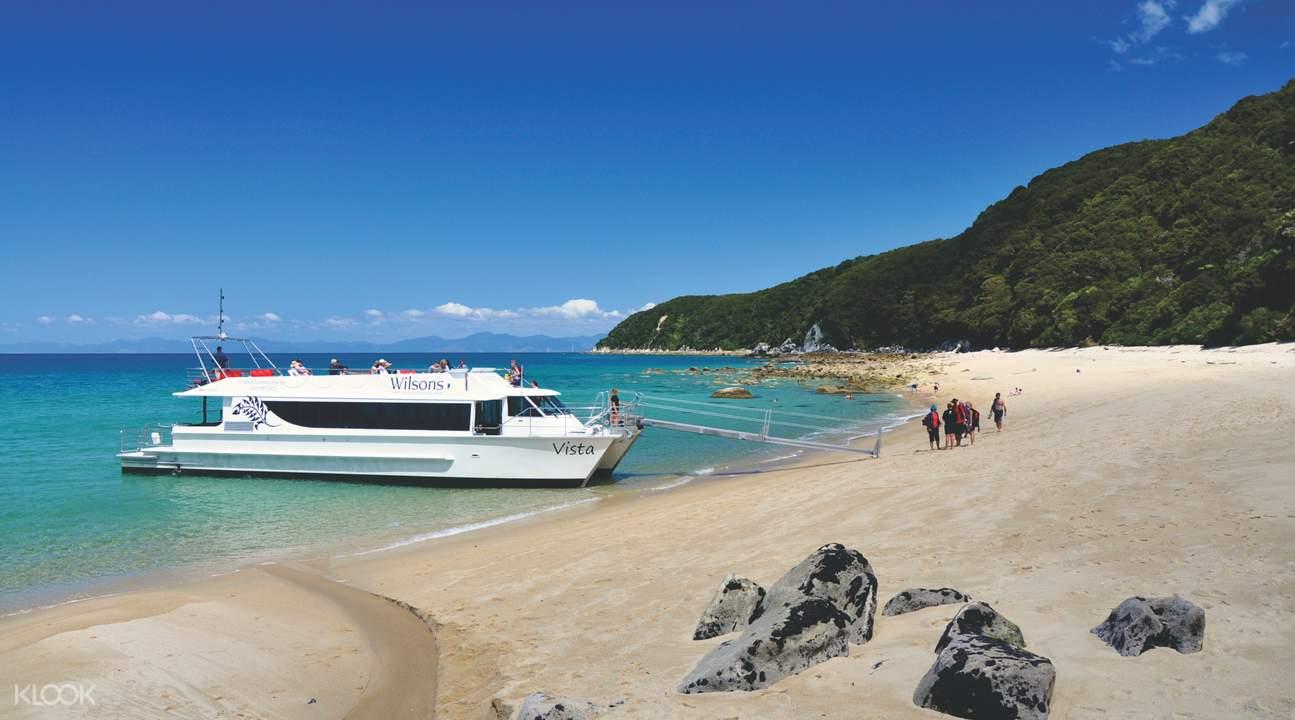 abel tasman boat cruise