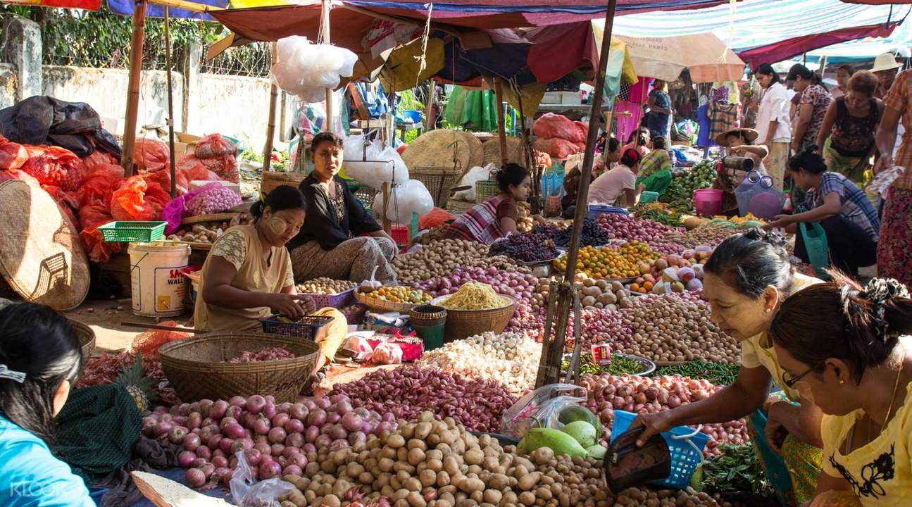 缅甸山多威市场