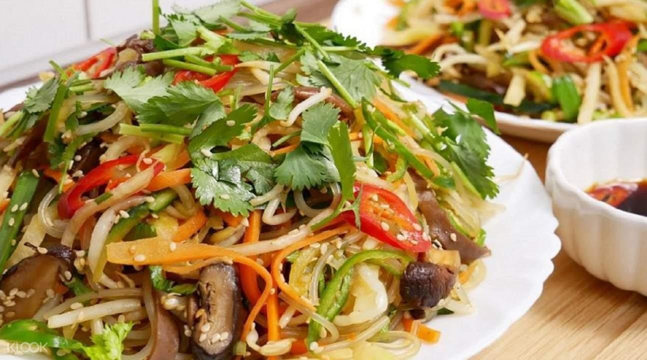 vegetable salad in Hoi An