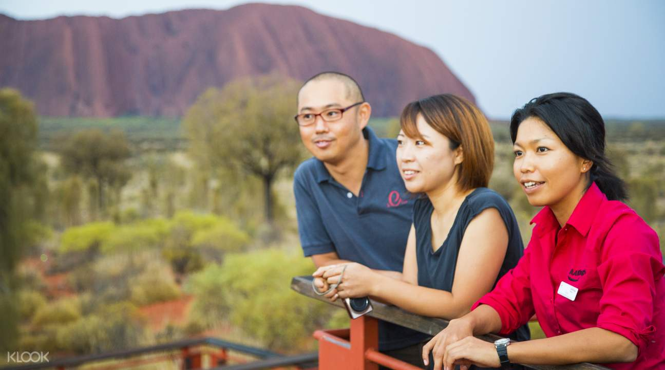 red centre explorer 2 day tour