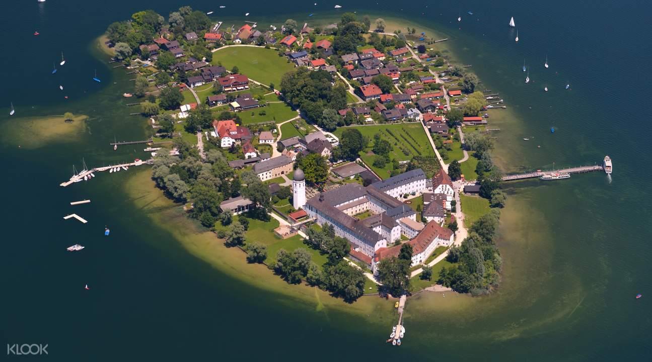 海伦基姆湖宫一日游