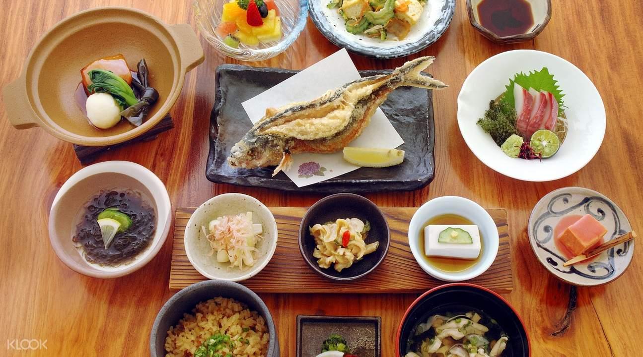 冲绳特色料理畅饮套餐 & 三味线表演