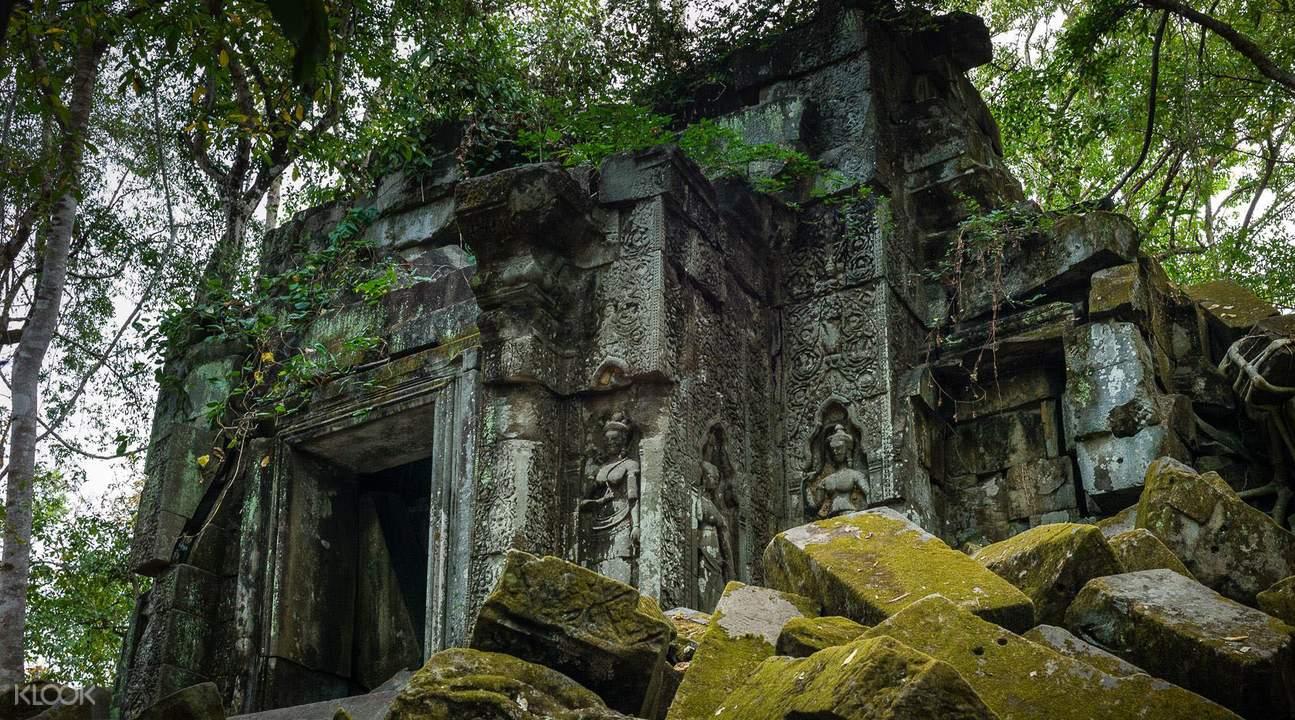indiana jones temple beng mealea private tour by tuk tuk siem reap cambodia