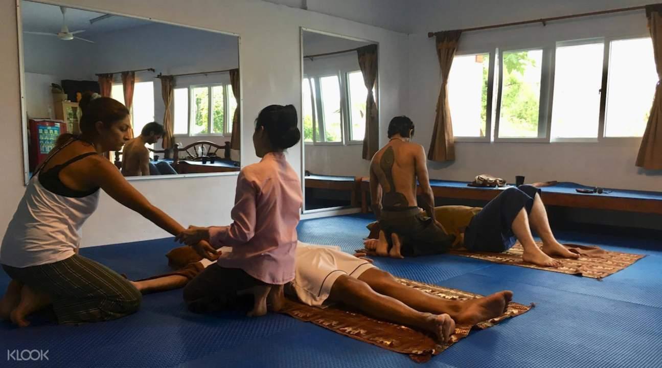 帕岸岛职业学校泰式按摩课程