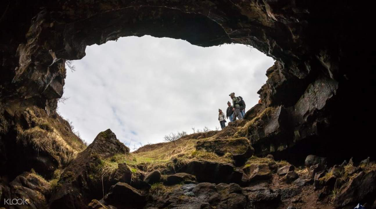 lava caving tour iceland