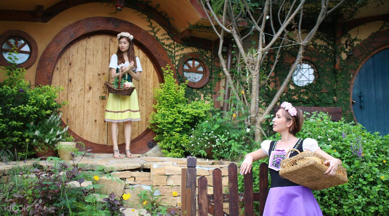 hobbit house khao yai