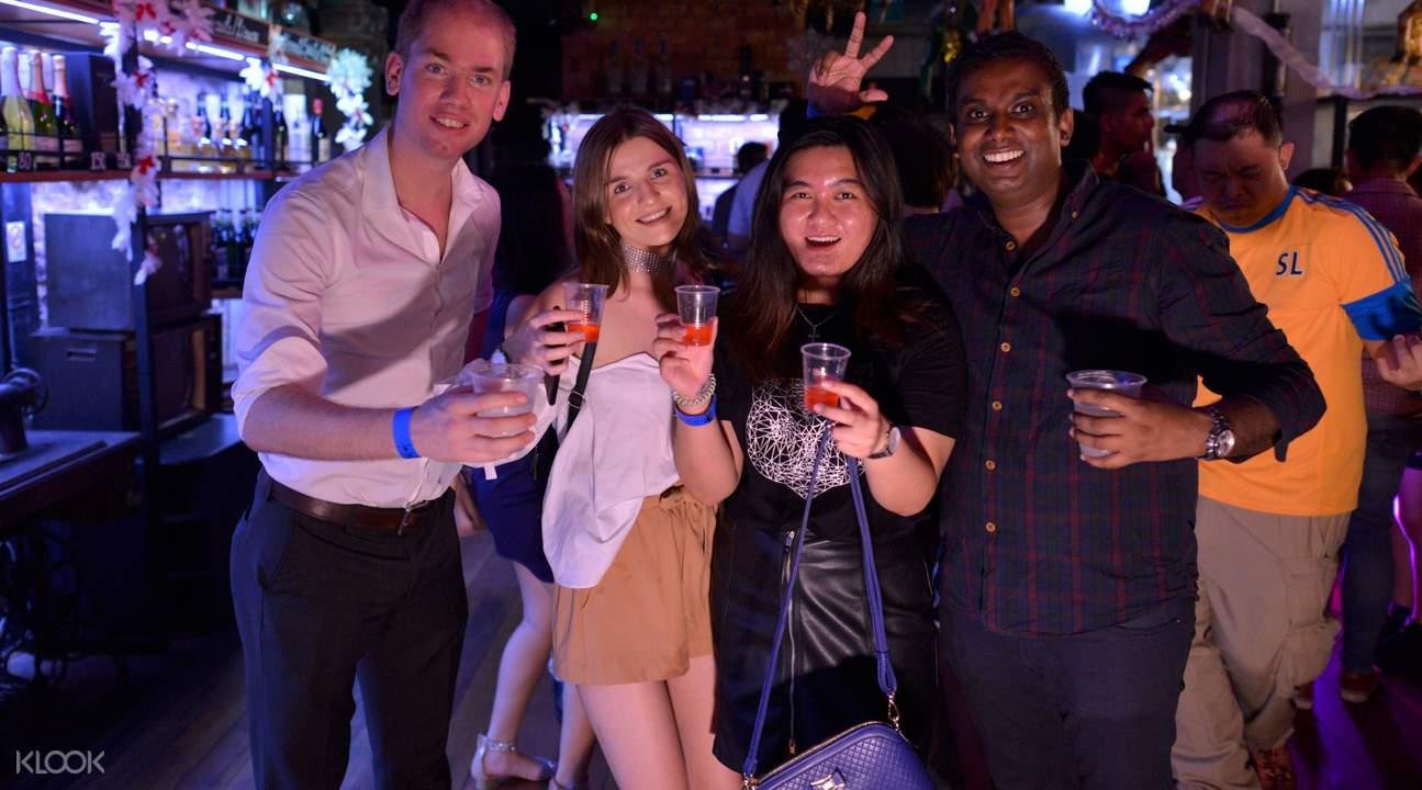 新加坡串酒吧