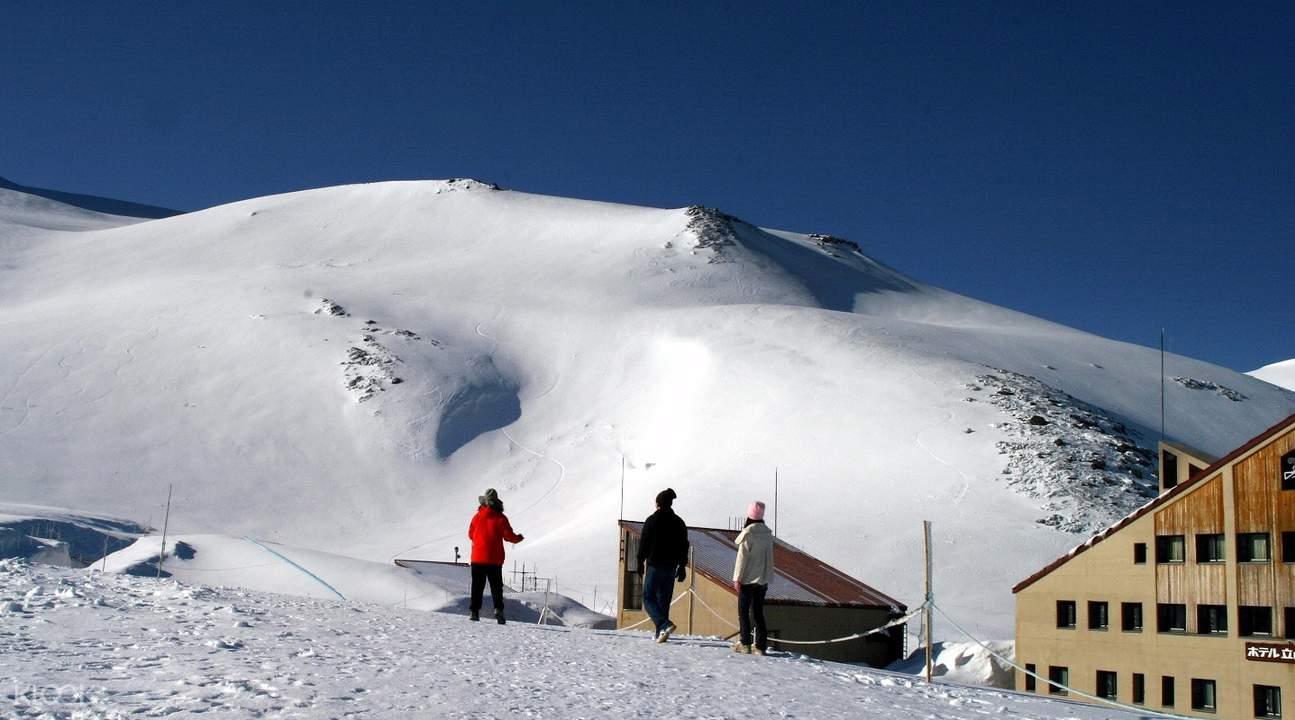 室堂雪壁大谷