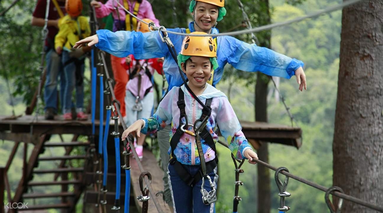 kids at jungle flight zipline adventure chiang mai