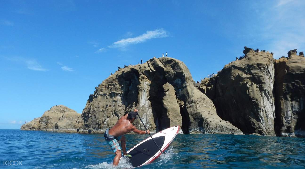 SUP at Shenao Elephant Trunk Rock