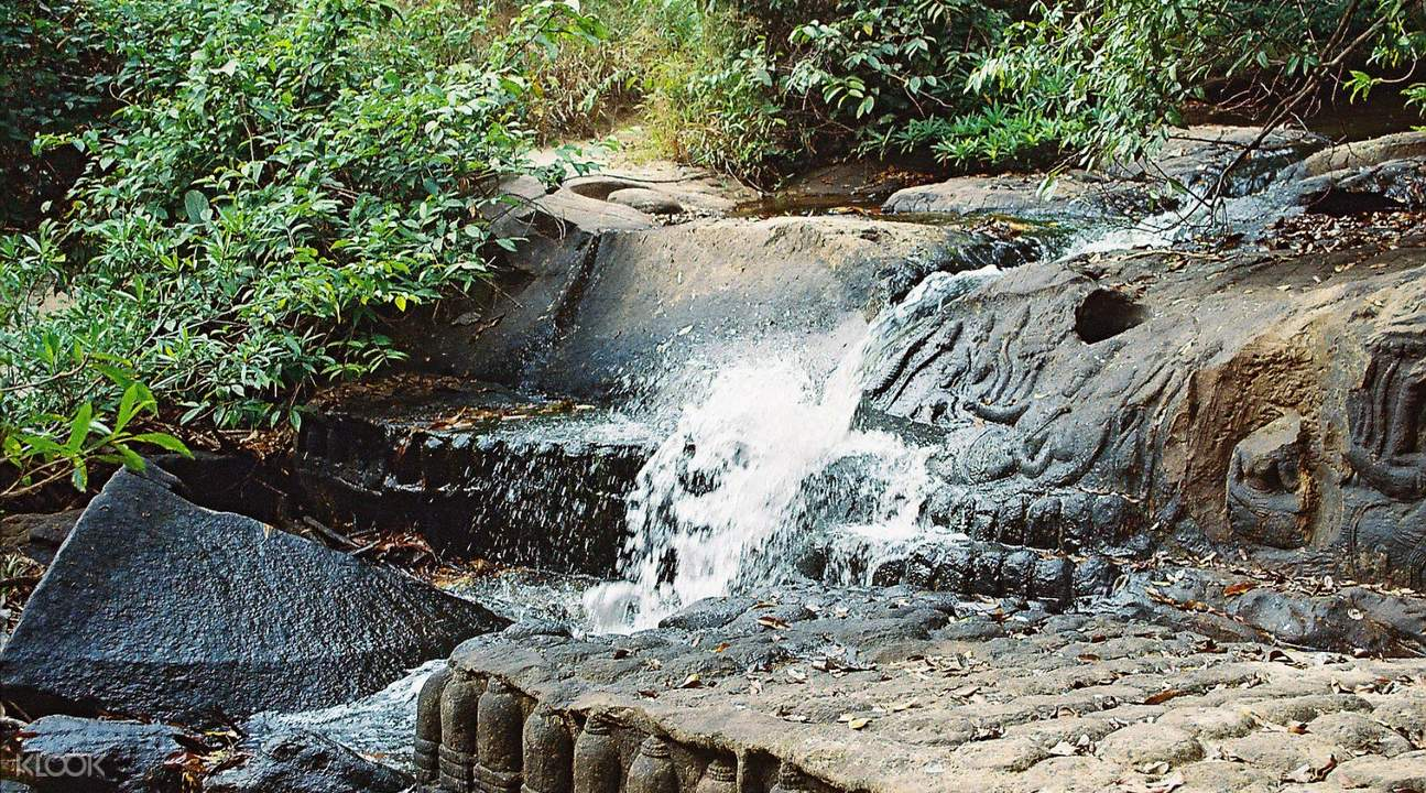 hiking kbal spean private tour by tuk tuk siem reap cambodia