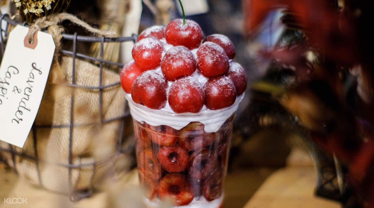 fruit bonbon cafe de paris