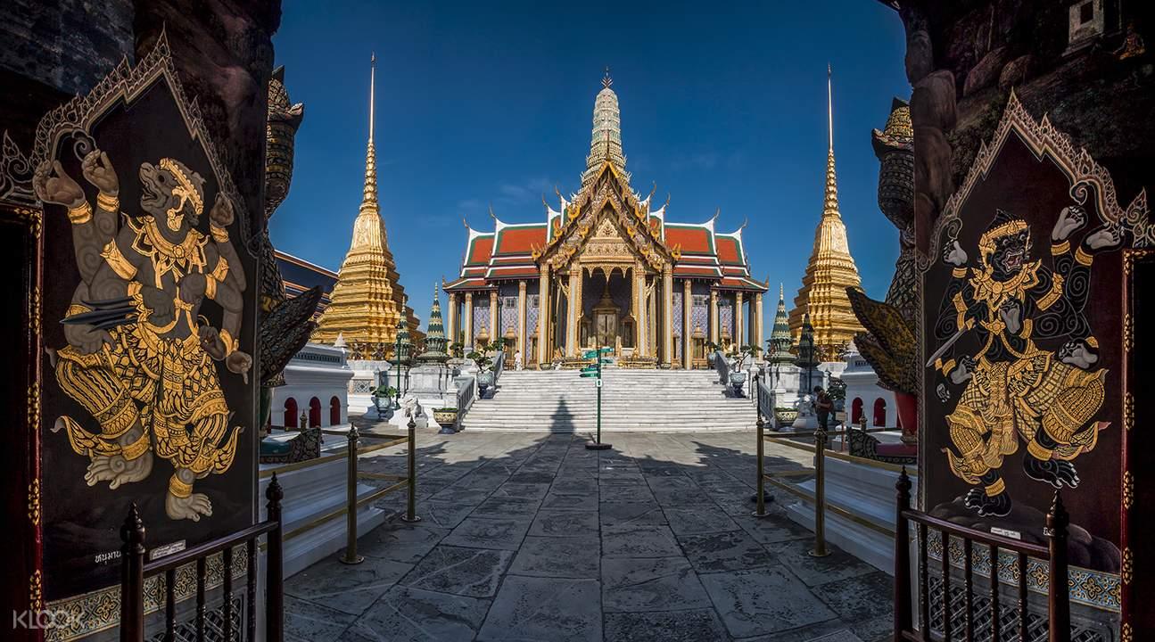 Wisata Pagi Grand Palace dan Wat Phra Kaew Bangkok