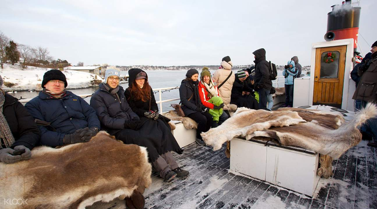 Warm blankets are available on the boat,斯德哥爾摩冬季觀光導覽之旅,斯德哥爾摩冬季觀光,斯德哥爾摩觀光導覽