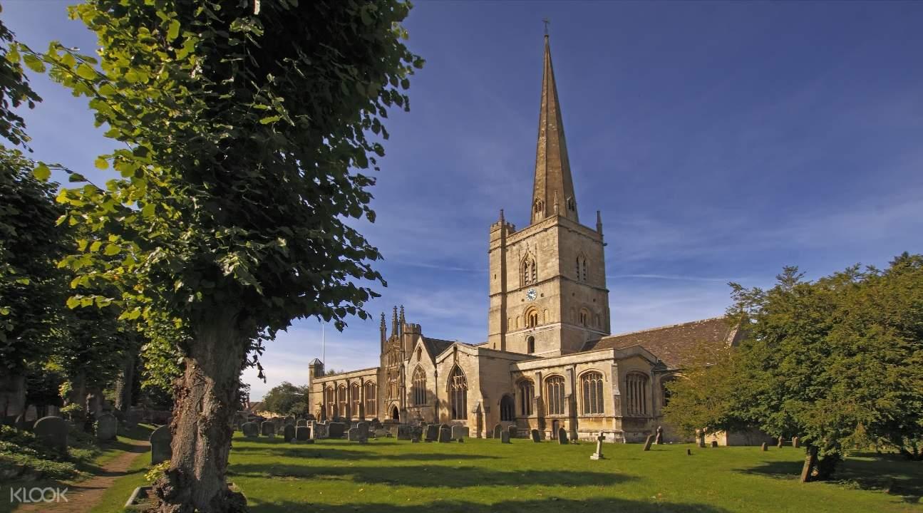Church of St John the Baptist in Burford
