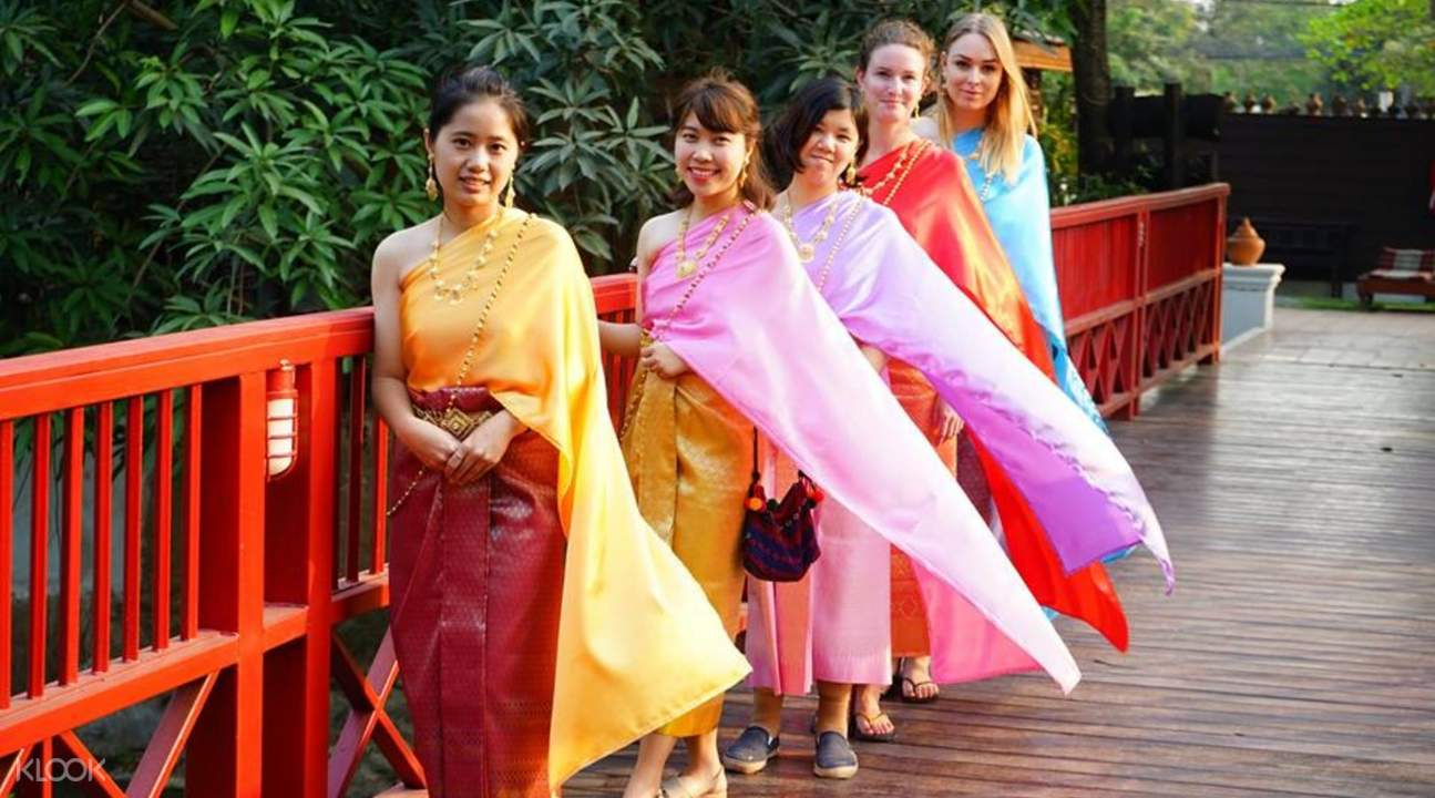 Traditional Thai costumes