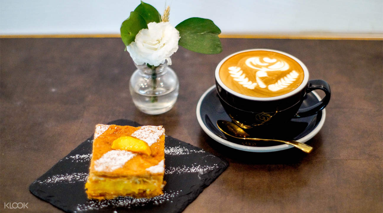 Coffee and Cake at Mellower Coffee in Bugis