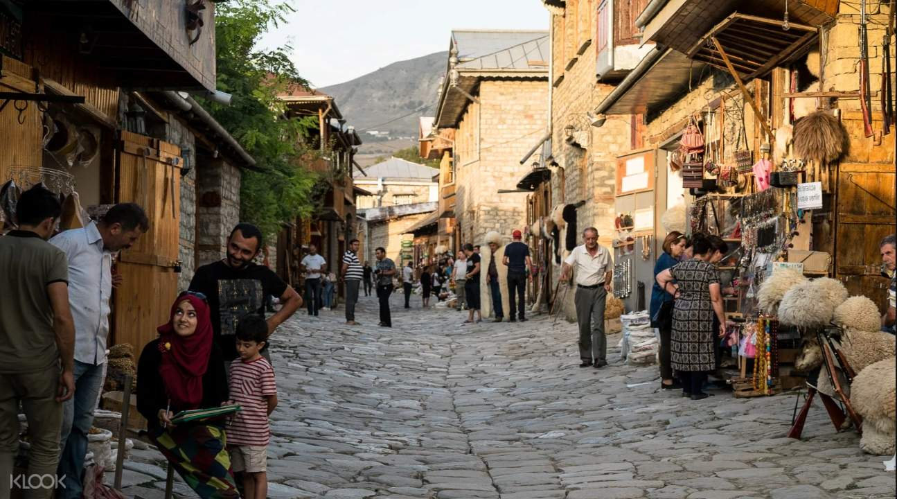 a street somewhere in the village of Lahij