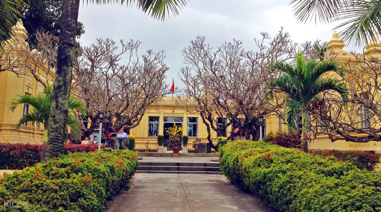Da Nang tourism Cham sculpture museum