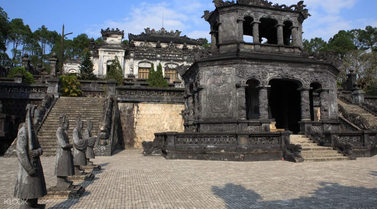 Hue day tours khai dinh tomb
