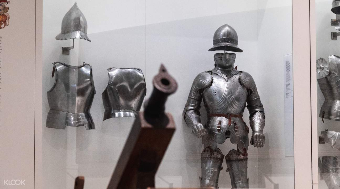 armor and weapons in alcazar toledo