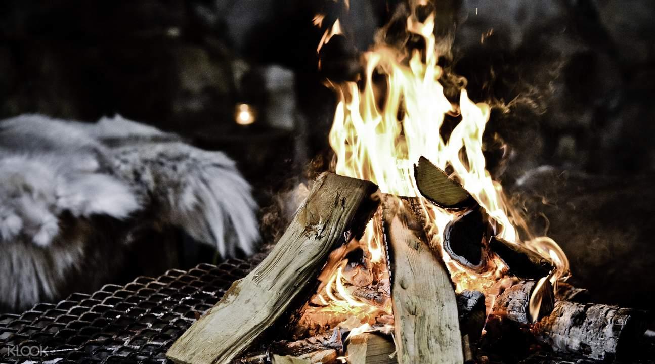 露营地篝火
