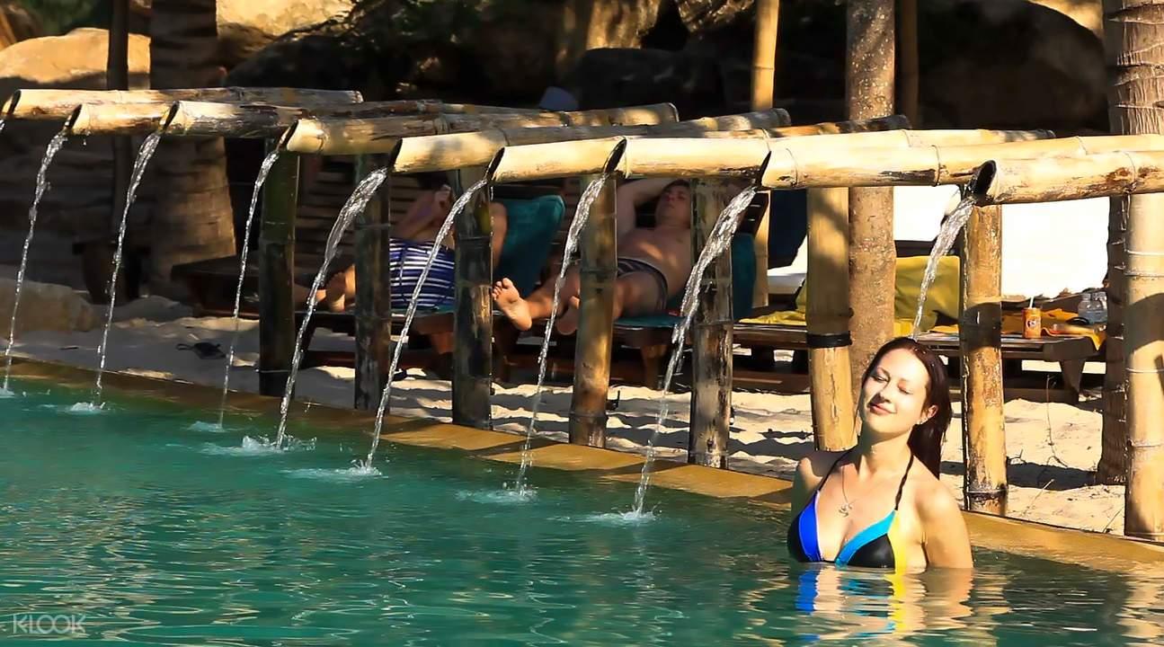 swimming pool in i-resort