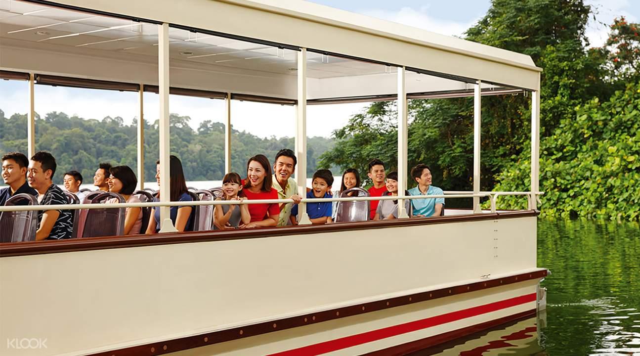 river safari boat ride