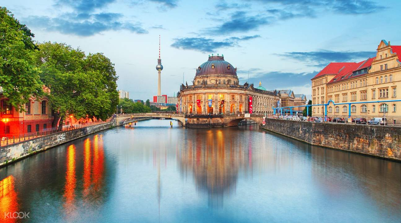 hop on hop off sightseeing bus pass berlin