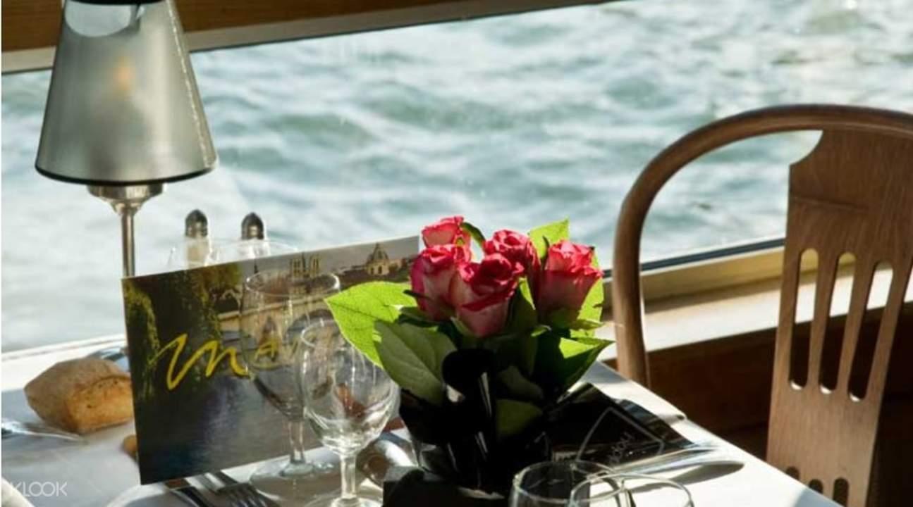 塞纳河游船