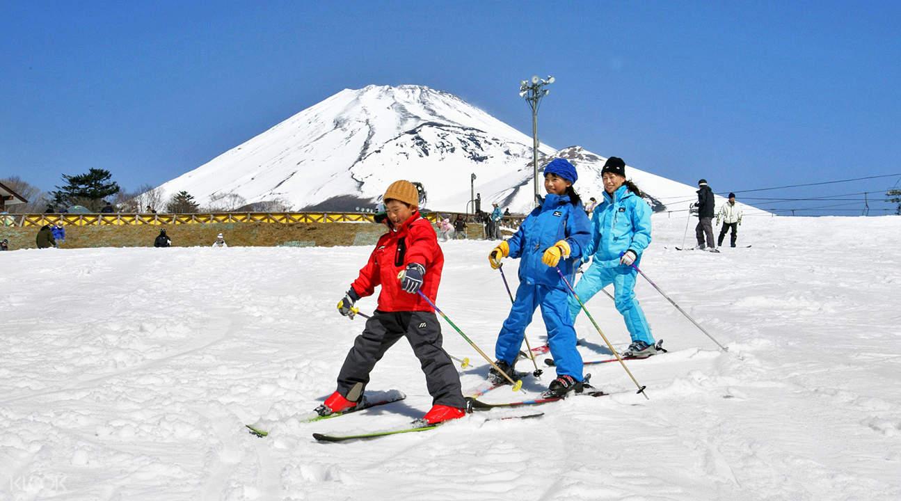 冬季限定富士山南麓二合目Snowtown Yeti滑雪場SAJ教練入門班(含往返巴士)
