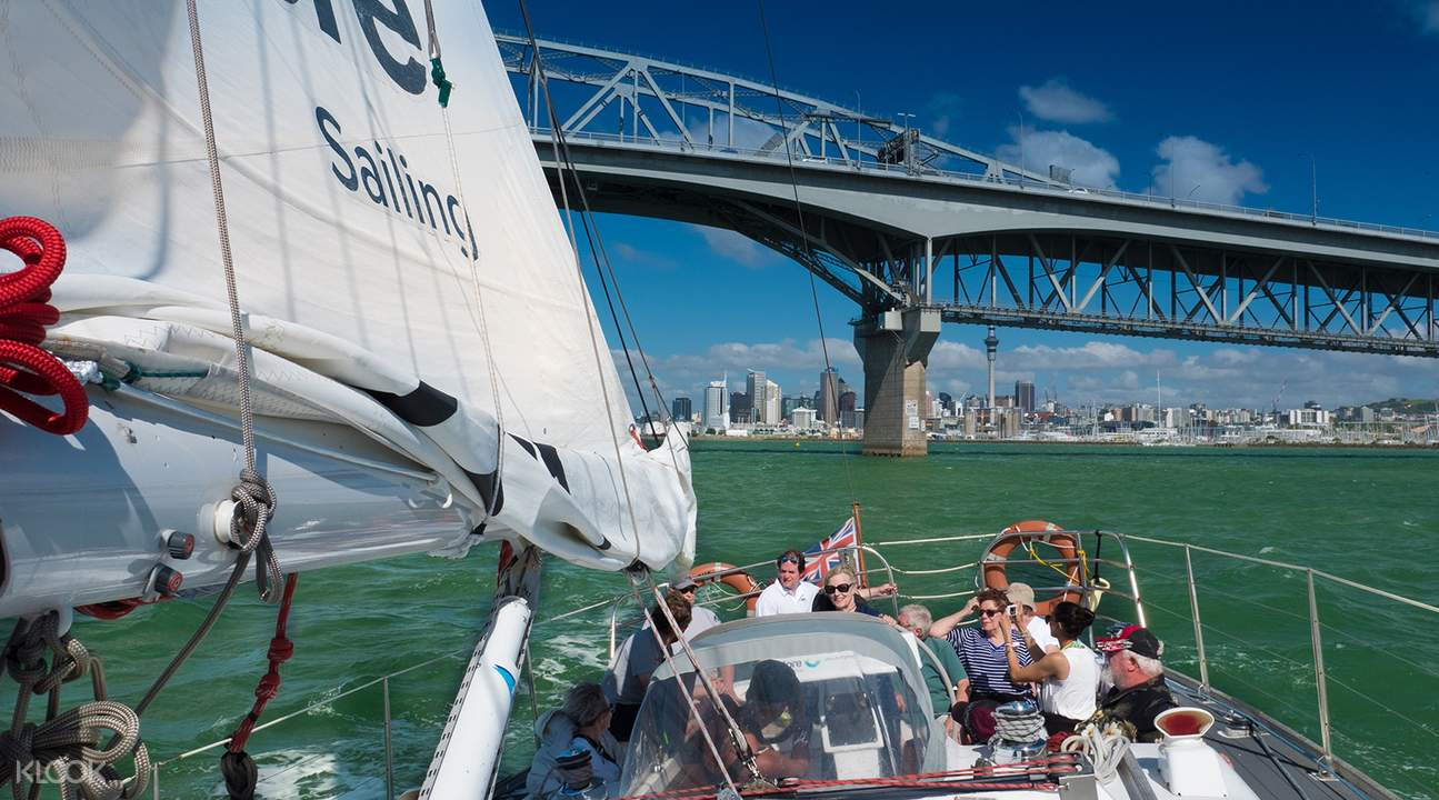 奥克兰海港风帆船