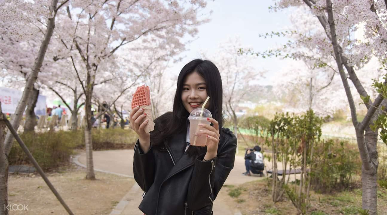 girl at Jinhae Cherry Blossom Festival