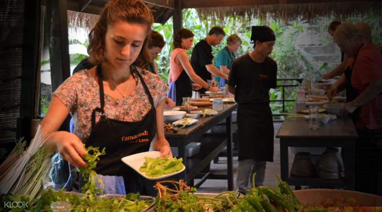 lao cooking class in luang prabang