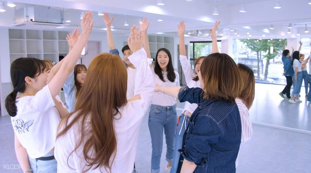 kpop trainees and dancers in fanxy studio