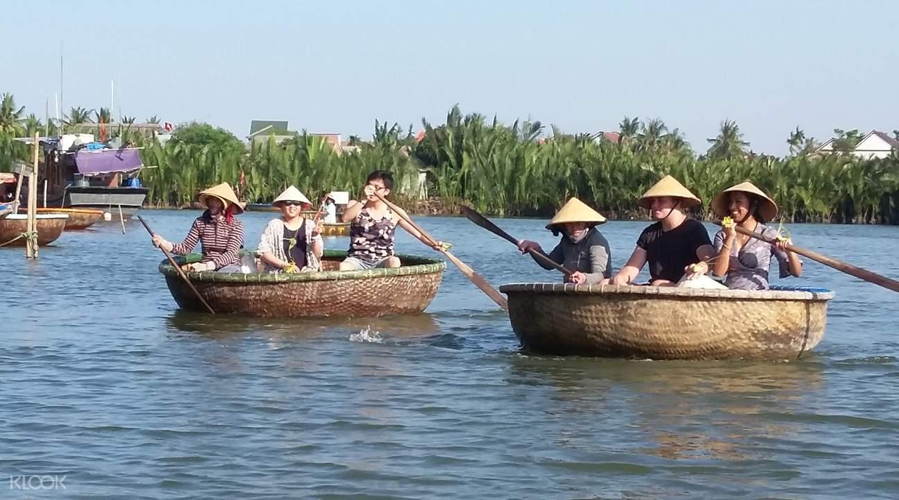 会安水椰林簸箕船游