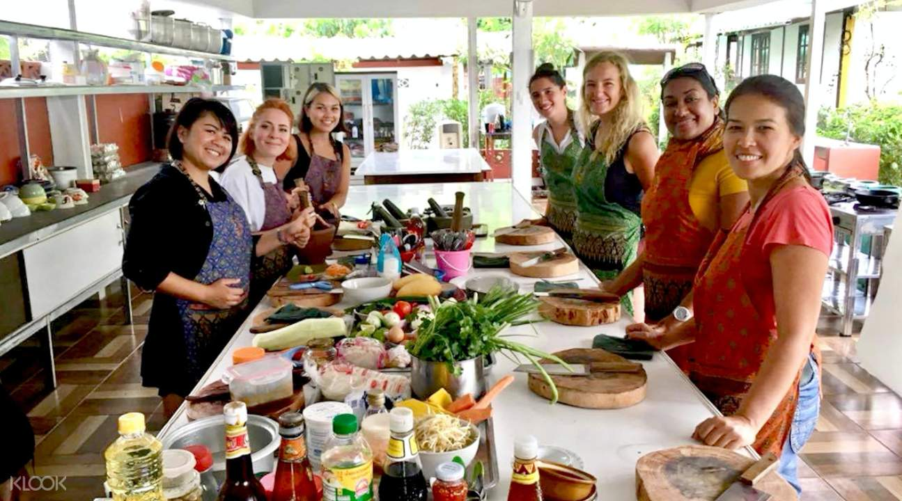 individual cooking stations Private Thai Cooking Class at Koh Phangan Vocational School