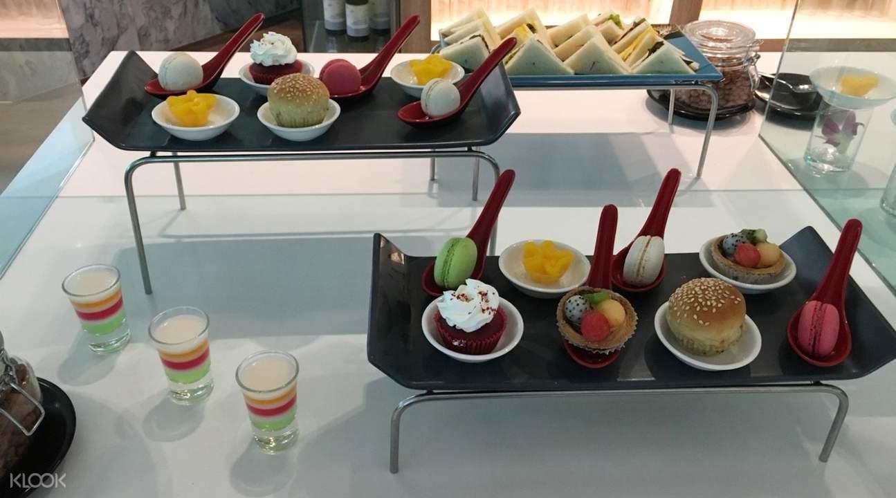 泰国芭提雅A-One皇家游轮酒店The Boat餐厅下午茶自助餐甜点