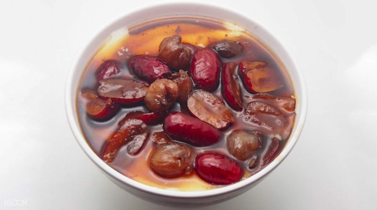Soybean custard served with longan and red date