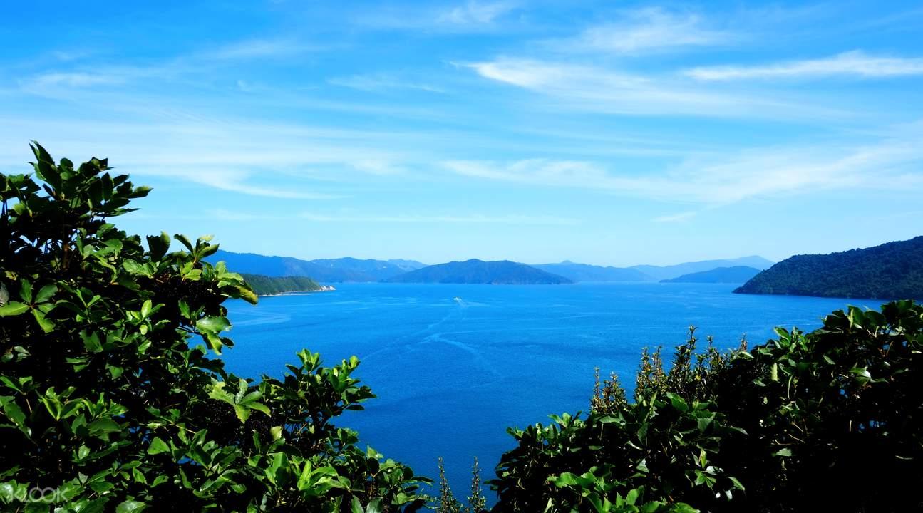 peak of motuara island