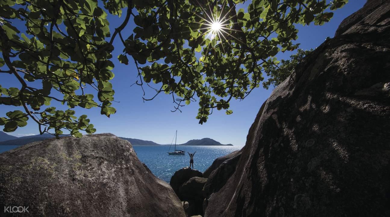 翡翠岛观光游艇往返接送