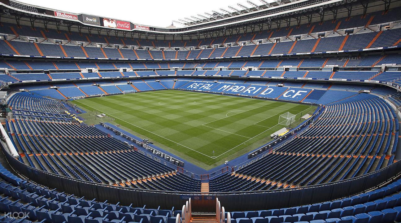Hasil gambar untuk stadion real madrid
