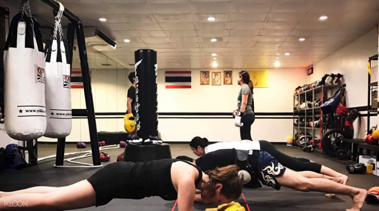 曼谷Watchara泰拳健身俱樂部泰拳體驗課